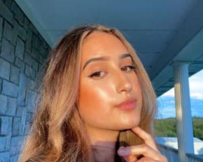 Macayla, 19 years, Female - Looking in: Denton Denton County TX