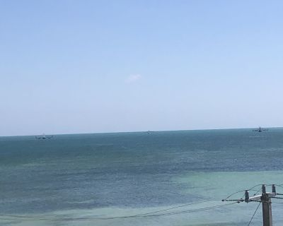 Atlantic Ocean view across from Smathers Beach - Key West