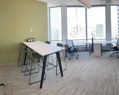 Private Office for 10 at US Bank Tower