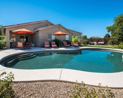 San Tan Valley Backyard Paradise with Heated Pool, Putting Green, and Fire Pit - Pecan Creek