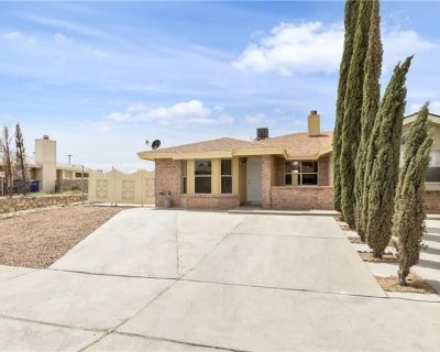 Newly remodeled, newly furnished, smart home - El Paso