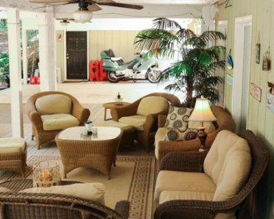 Quiet Private Luxury Apartment