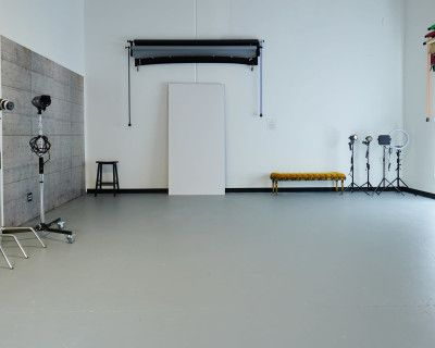 Spacious Private Photo Studio With Everything Included, Huntington Beach, CA