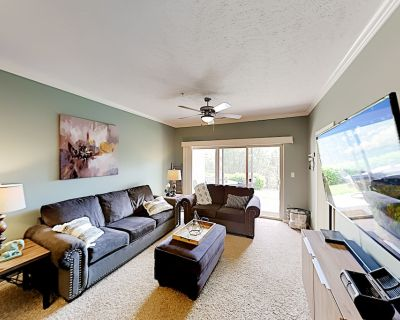 Majestic at Table Rock Lake Condo | Patio, Trails & Dock | 300 to Lake - Table Rock