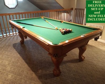 American Heritage 8' Pool Table-FREE DELIVERY, SET-UP and NEW FELT INCLUDED!