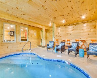 MIM1 - PRIVATE Indoor Pool w/ FIRE PIT & YARD - Pigeon Forge