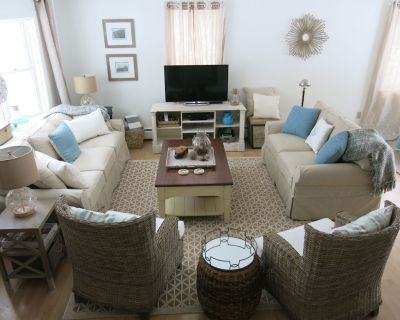 Private Meadow View Family Retreat - 4 BR, AC, Tennis, on bike path, large yard - Lagoon Heights