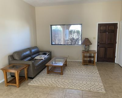 Far NE close to mountains and parks. 30minutes or less to anywhere - Academy Place