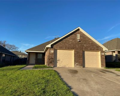 8142 Tanner Ave, Fort Worth, TX 76116