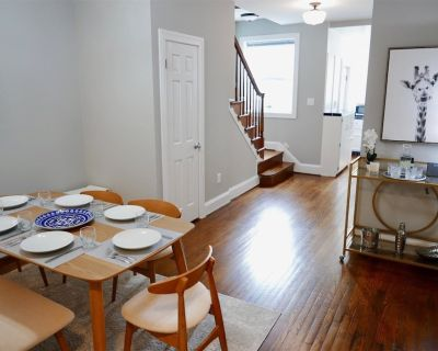 Little House in the City - Capitol Hill, Sleeps 8 w Parking! - Eastern Market
