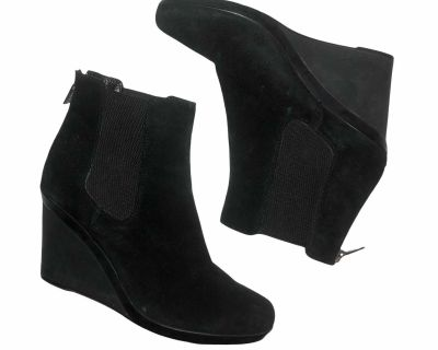 Aquatalia Suede Ankle Wedged Boots size 10