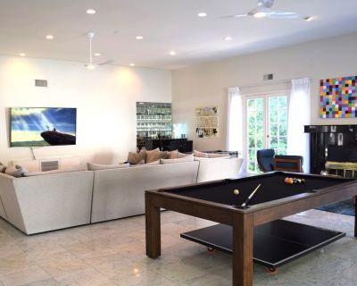 Dream House in Encino Hills w/Guesthouse & Large Pool - Encino