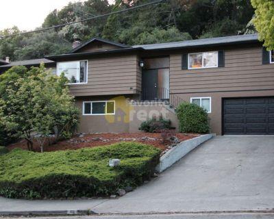 East Bay Hills House, 2 bedroom in Sequoyah, Oakland!