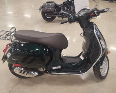 2020 Vespa GTS 300 HPE Scooter Middletown, OH