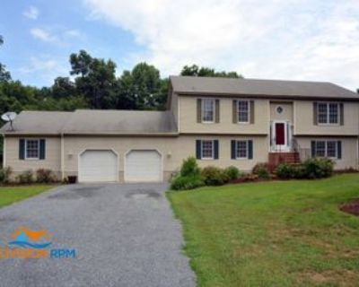206 Dudley Ct #1, Centreville, MD 21617 4 Bedroom Apartment