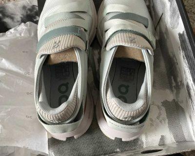 Brand new cloud nova wrap size 8 shoes