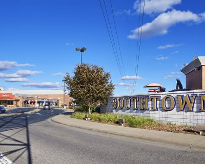 Southtown Shopping Center Space Available