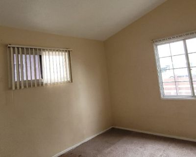 Private room with own bathroom - North Hollywood , CA 91605