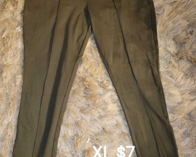 Olive green color like new Xl