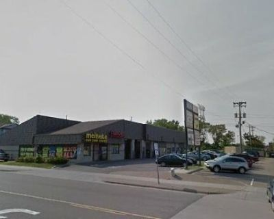 Retail Space for Lease in Maplewood