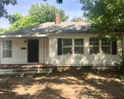 932 N Terrace Dr #1, Wichita, KS 67208 3 Bedroom Apartment