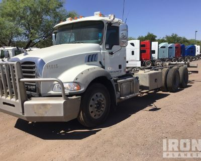 2015 Mack GU813 T/A Water Truck Cab & Chassis