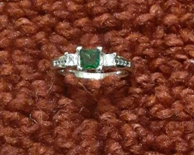Green Crystal 925 Sterling Silver Ring