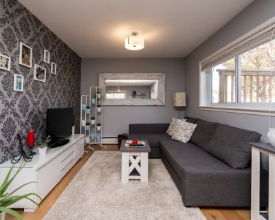 Bright 1 BR Near stampede/ DT/ concerts/ hockey games/ BMO /inglewood/ Zoo - Ramsay