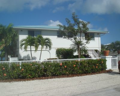Private Paradise on Florida Bay!! PLR #2012-00371. Weekly & monthly rates only - Marathon
