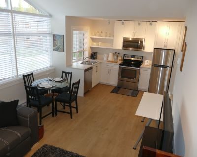 The Eagle's Nest - NEW LISTING - North Saanich