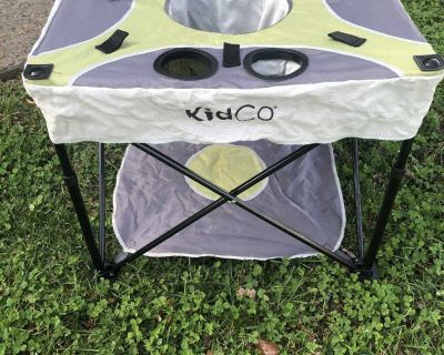 Kidco portable baby activity chair