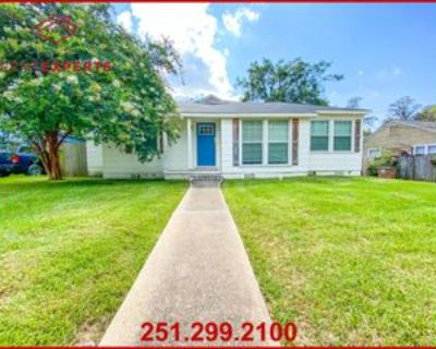 254 Pinehill Dr #1, Mobile, AL 36606 3 Bedroom Apartment
