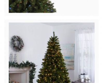 Free 7' pre-lit Xmas Tree