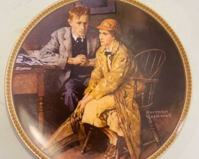 Collectible - Norman Rockwell Confiding in the Den Vintage Plate