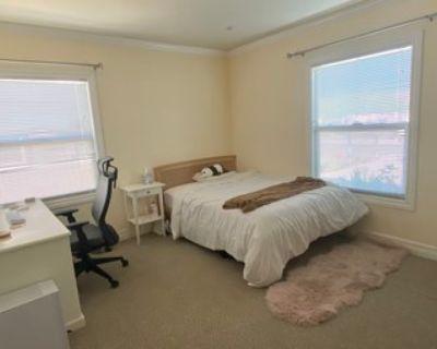 Menlo Park master bedroom in 3B2B starting July 1
