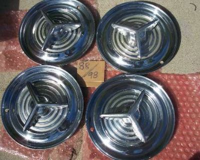 Accessories - Oldsmobile: 1956 Olds Spinner Hubcaps