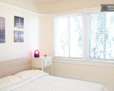 Fully Furnished Room; Short Term Rental; No Lease; Available Nov 1 (West Hollywood)