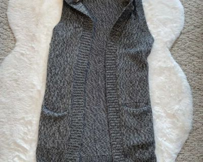 Gap Cable Knit Sherpa Hood Maxi Sweater Vest Sz. XS (fits larger)