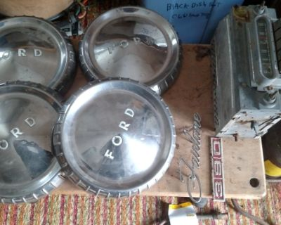 1961 Ford falcon and Fairlane hubcaps collectables