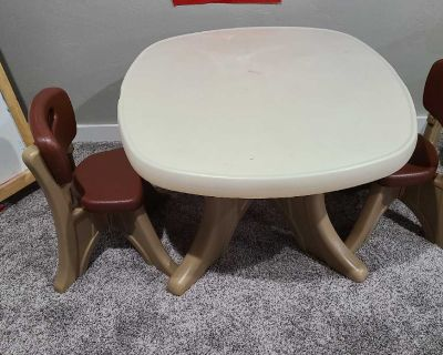 Step 2 table and 2 chairs