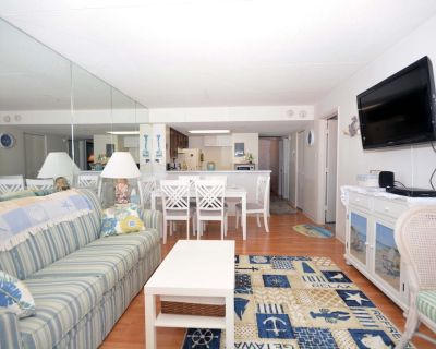 Comfortable, cozy 3-bedroom oceanfront condo with free WiFi, a breathtaking ocean view, an indoor and outdoor pool, and more located uptown and mere steps to the beach! - North Ocean City