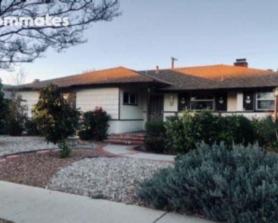 $1225 3 single-family home in San Fernando Valley