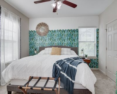 1-BR, King Bed, 2.5 miles from Doctor's Hospital - Evans