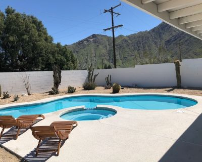 Mid Century Modern Pool House w/ Mountain Views 10 min to Downtown Palm Springs - Palm Springs
