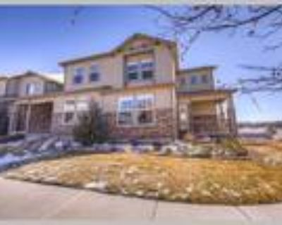 End Unit Townhome in Monument, Monument, CO