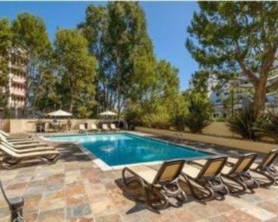 10982 Roebling Ave #327, Los Angeles, CA 90024 1 Bedroom Condo