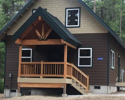 Charming Chalet in Plain with Private Hot Tub, WiFi and Game Cupboard - Leavenworth