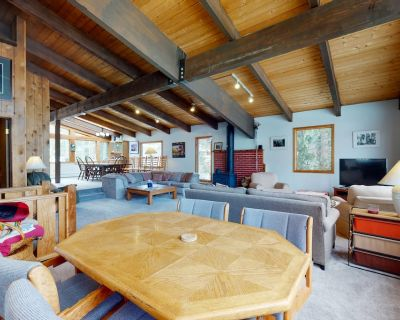 Chalet-style Home w/ Private Hot Tub, Wood Stove & Wifi - Steps to Ski Shuttle! - Vail