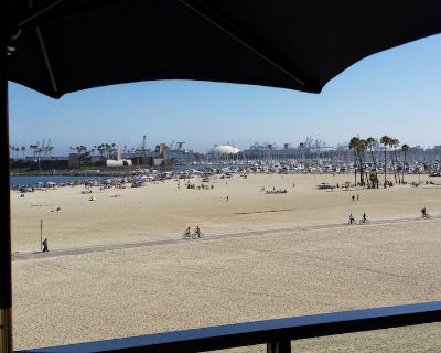 Penthouse on the Sand! 270 Views! Walk, Bike, Take the Red Bus, or the Aqualink! - Alamitos Beach