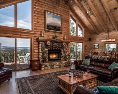 Gorgeous Log Home With Mountain View and new Hot Tub! Close to Ski Apache - Alpine Cellars Village